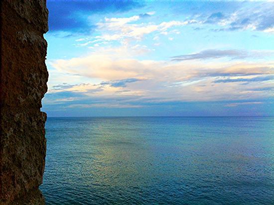 Casamare, Dietro la linea. - Polignano a mare (1238 clic)