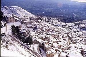 Chiesa di Sant'Agostino con la neve - Caltabellotta (3624 clic)