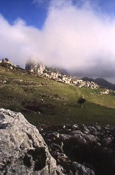 Panorama con nebbia - Caltabellotta (3753 clic)