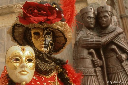 025/30. La magia del Carnevale - Venezia (1918 clic)