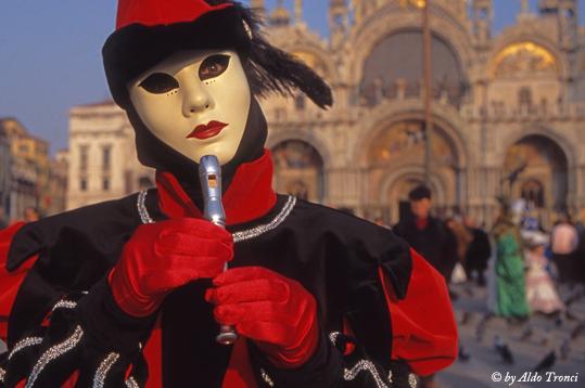 027/30. La magia del Carnevale - Venezia (2107 clic)