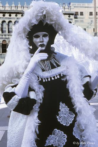 028/30. La magia del Carnevale - Venezia (2041 clic)