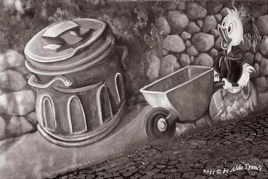 028/30. TINNURA (OR) : i muri parlano (1958 clic)