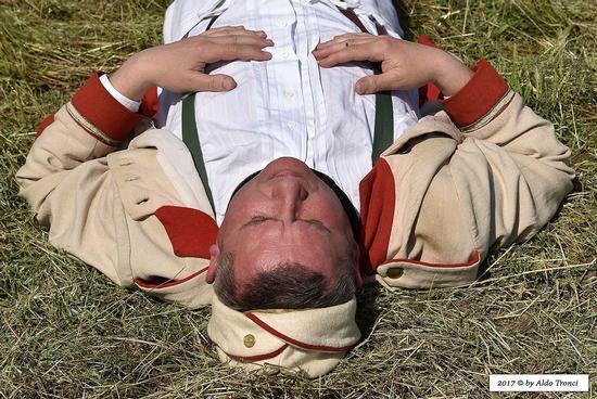 004/66. Il riposo del soldato austriaco - Valvasone (178 clic)