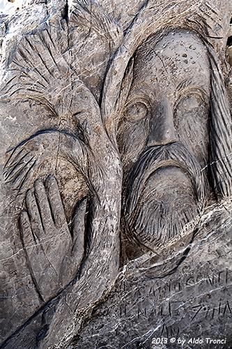 029/31 - Caorle: Sculture su pietra (810 clic)