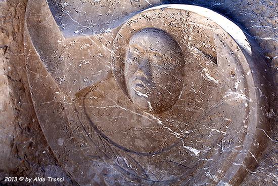028/31 - Caorle: Sculture su pietra (633 clic)