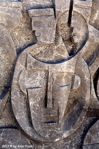 027/31 - Caorle: Sculture su pietra (503 clic)