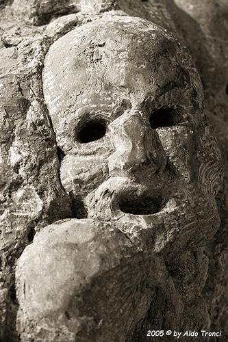 026/31 - Caorle: Sculture su pietra (597 clic)