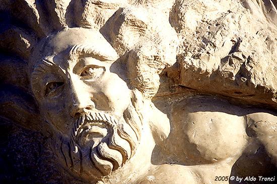 025/31 - Caorle: Sculture su pietra (619 clic)