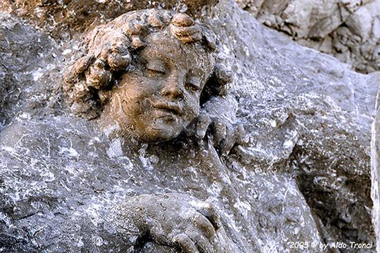 017/31 - Caorle: Sculture su pietra (563 clic)
