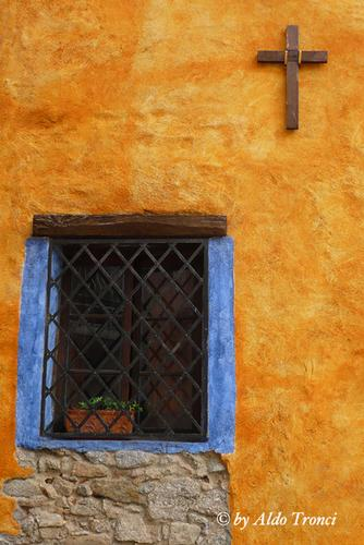 017/30. FONNI: i Muri raccontano (2151 clic)