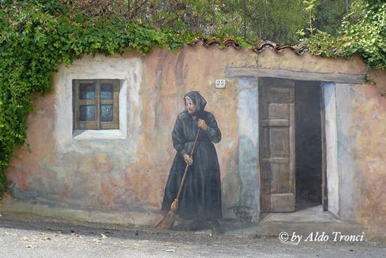 011/30. FONNI: i Muri raccontano (1668 clic)
