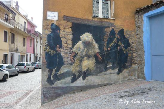 006/30. FONNI: i Muri raccontano (1727 clic)