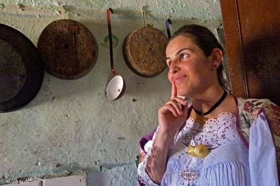 028. OLIENA '2011 - Cortes Apertas (1322 clic)
