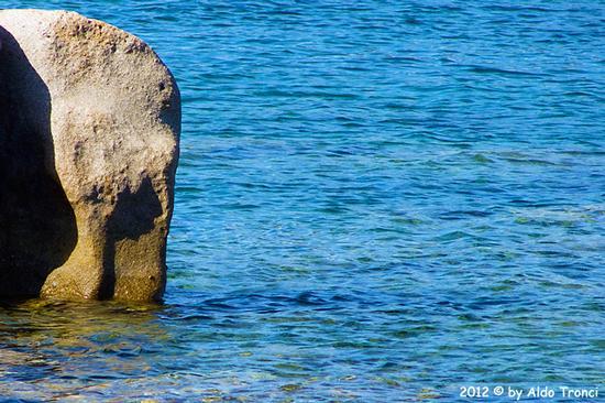 023/25. Golfo di Marinella: Graniti plasmati dal tempo, ovvero ... quando la natura si diverte - Porto rotondo (1318 clic)