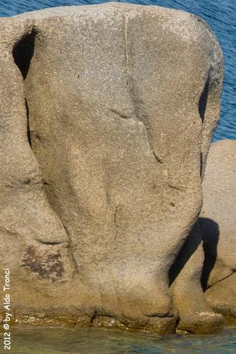018/25. Golfo di Marinella: Graniti plasmati dal tempo, ovvero ... quando la natura si diverte - Porto rotondo (1098 clic)