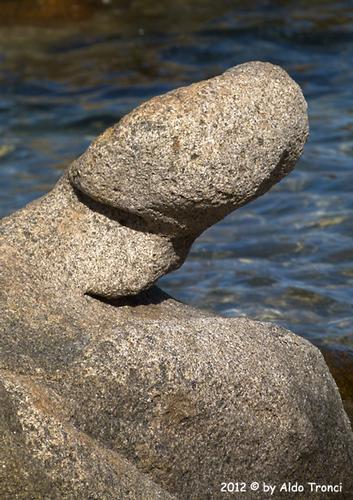 015/25. Golfo di Marinella: Graniti plasmati dal tempo, ovvero ... quando la natura si diverte - Porto rotondo (1495 clic)