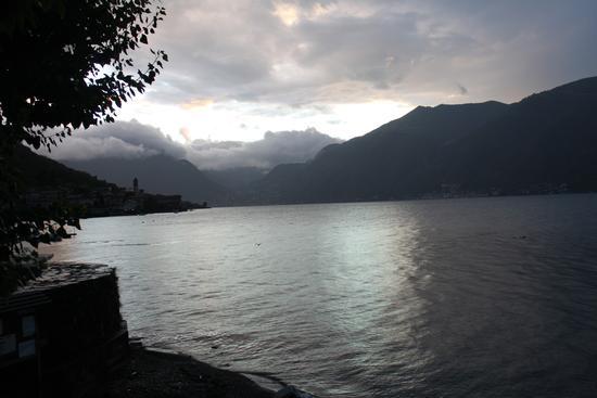 un temporale in arrivo - Lezzeno (1317 clic)