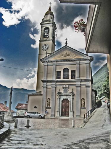 Chiesa parrocchiale di Nesso (2320 clic)