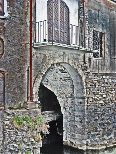 Casa con darsena - Nesso (1494 clic)