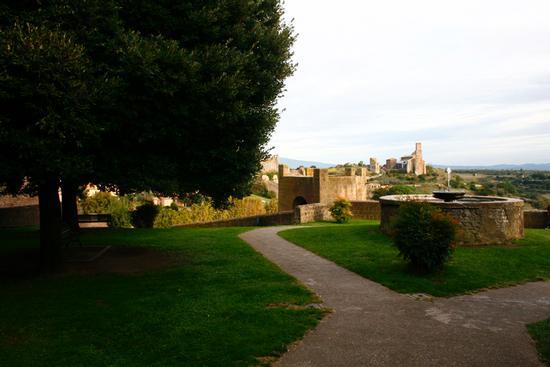 parco torre di lavello - Tuscania (3211 clic)