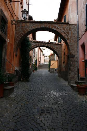 Via degli Archi  - Tuscania (1935 clic)