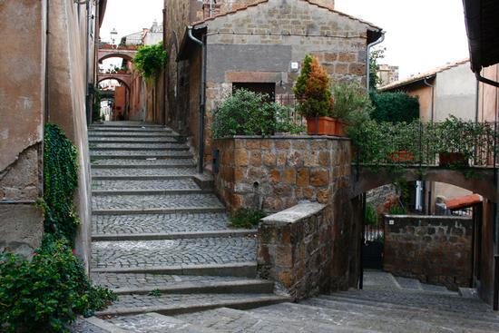 centro storico tuscania  (1981 clic)
