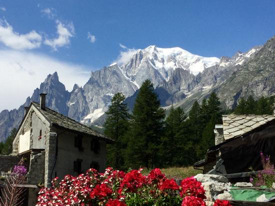 Ai piedi del Monte Bianco in Val Ferret - Courmayeur (1942 clic)
