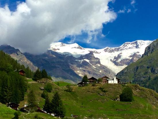 Ai piedi del Monte Rosa - Gressoney la trinitè (938 clic)