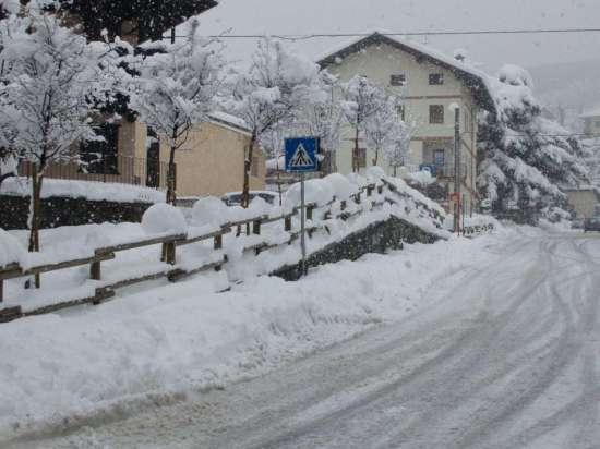 Che nevicata! - Nus (2663 clic)