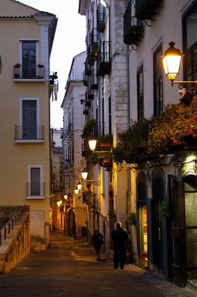 Salerno_via_duomo (651 clic)