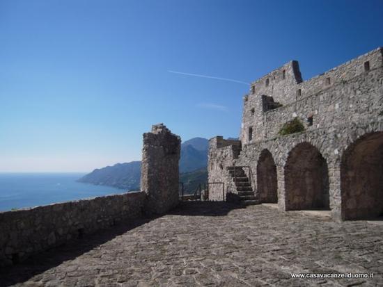 Castello Arechi e Costiera Amalfitana - Salerno (5420 clic)
