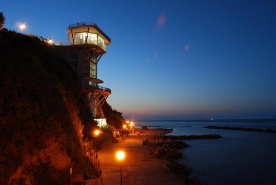 il mare di sera - Ancona (3799 clic)