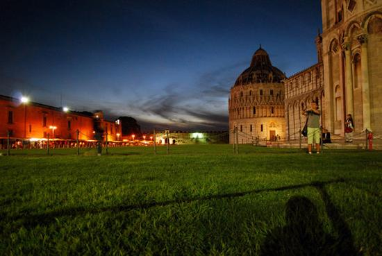 Piazza dei miracoli - Pisa (3147 clic)