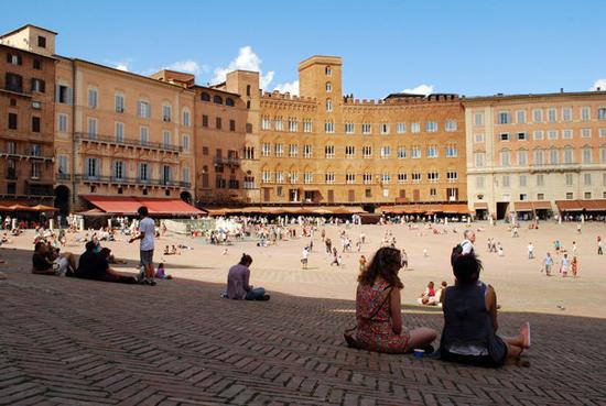Piazza del Campo - Siena (1976 clic)