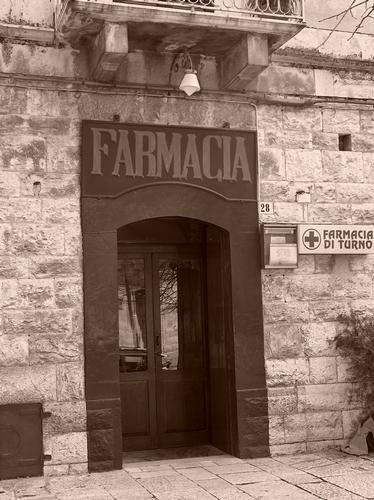 antica farmacia caputi - Ruvo di puglia (1210 clic)