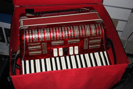 la fisarmonica - Ruvo di puglia (1501 clic)