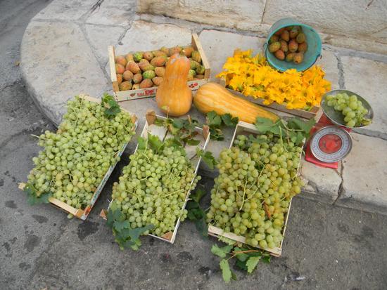 frutta fresca - Ruvo di puglia (1360 clic)