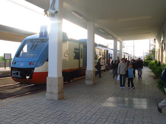 Stazione Bari Nord - Ruvo di puglia (1654 clic)