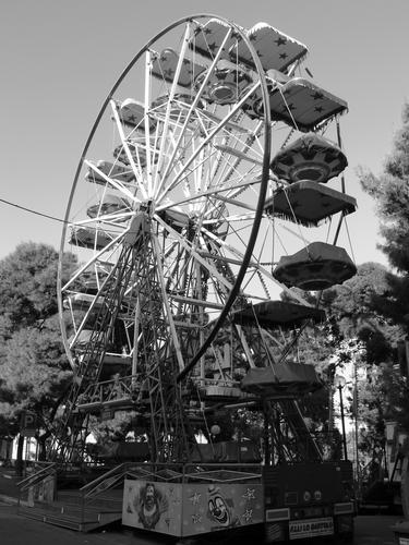 ruota panoramica - Ruvo di puglia (1476 clic)