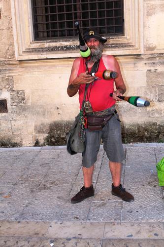 Artista di strada.....Giocoliere (509 clic)