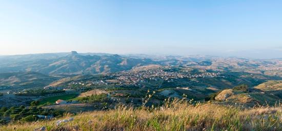 Milena, paesaggio (718 clic)