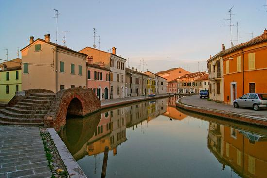 Canale di Comacchio al tramonto (1139 clic)