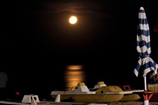 Rilessi di Luna - Porto potenza picena (2331 clic)