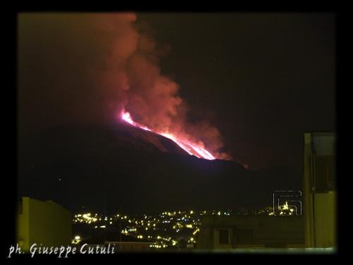 Eruzione dell'Etna - San giovanni la punta (4357 clic)