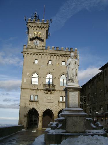 Piazza della Libertà (RSM) - San marino (1835 clic)