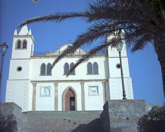 Facciata Santa Maria della Neve - Cuglieri (4038 clic)