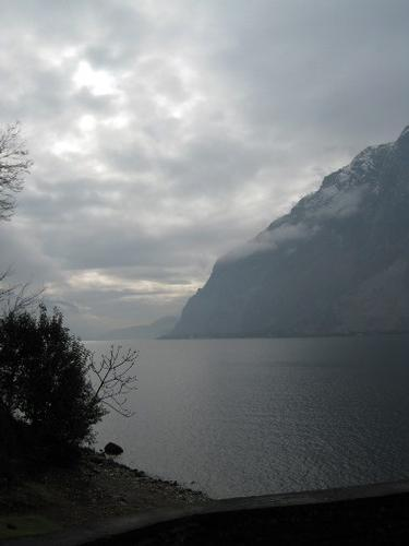 inverno sul lago di como abbadia lariana lecco lombardia (2011 clic)