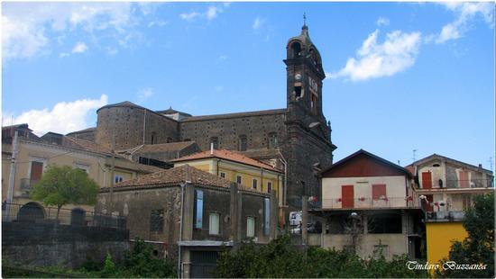 La chiesa di Sant'Alfio (2068 clic)