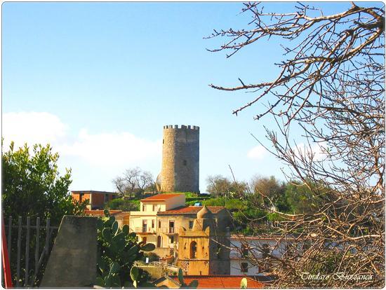 La torre - Piraino (2095 clic)